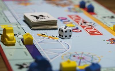 Watertrappelend Monopoly spelen